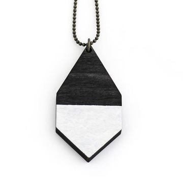 Diamante necklace big | black wood/hammered white
