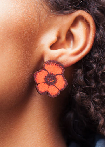 Totem Flowers stud earrings | red wine