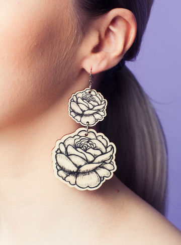 Rose earrings double dangle | black/wood