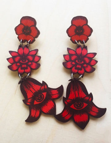Flower Totem earrings triple stud | red wine/rust
