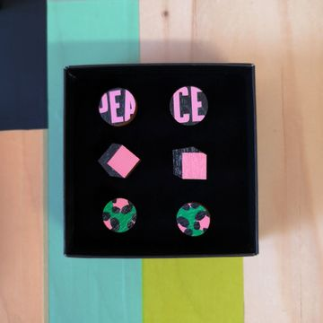 Peace mini mix stud set