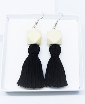 Wou earrings | black on wood