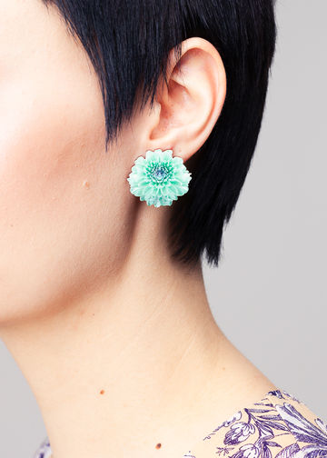 Chrysantheme stud earrings | lagoon green