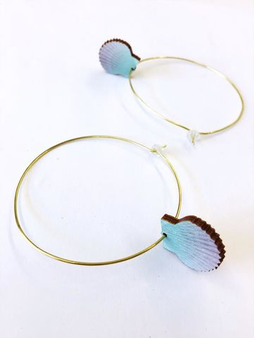 Big hoop earrings | ombre scallop