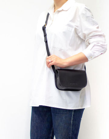LAURA small cross body bag | black