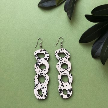 Aina earrings | black / white
