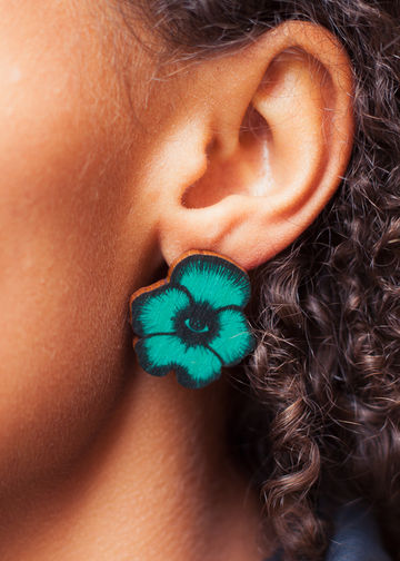 Flower Totem stud earrings | jade green