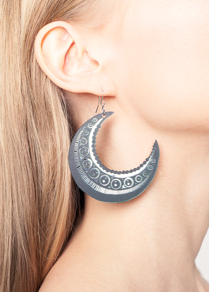 Moon earrings | black