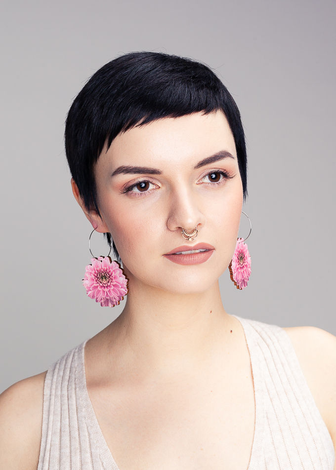 Chrysantheme big hoop earrings | baby pink
