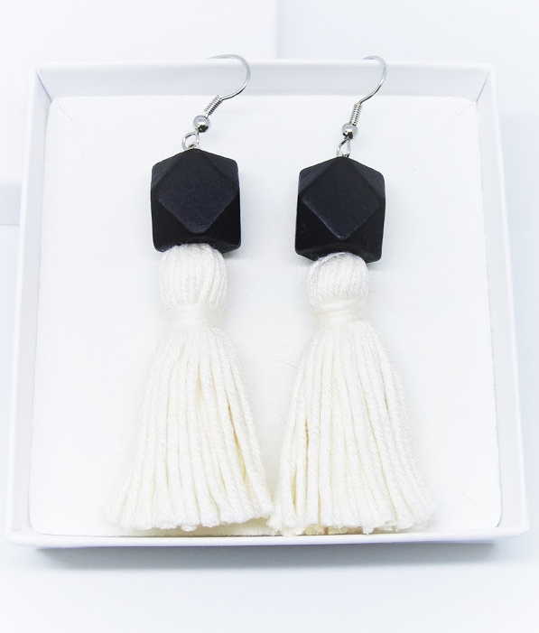 Wou earrings | white on black